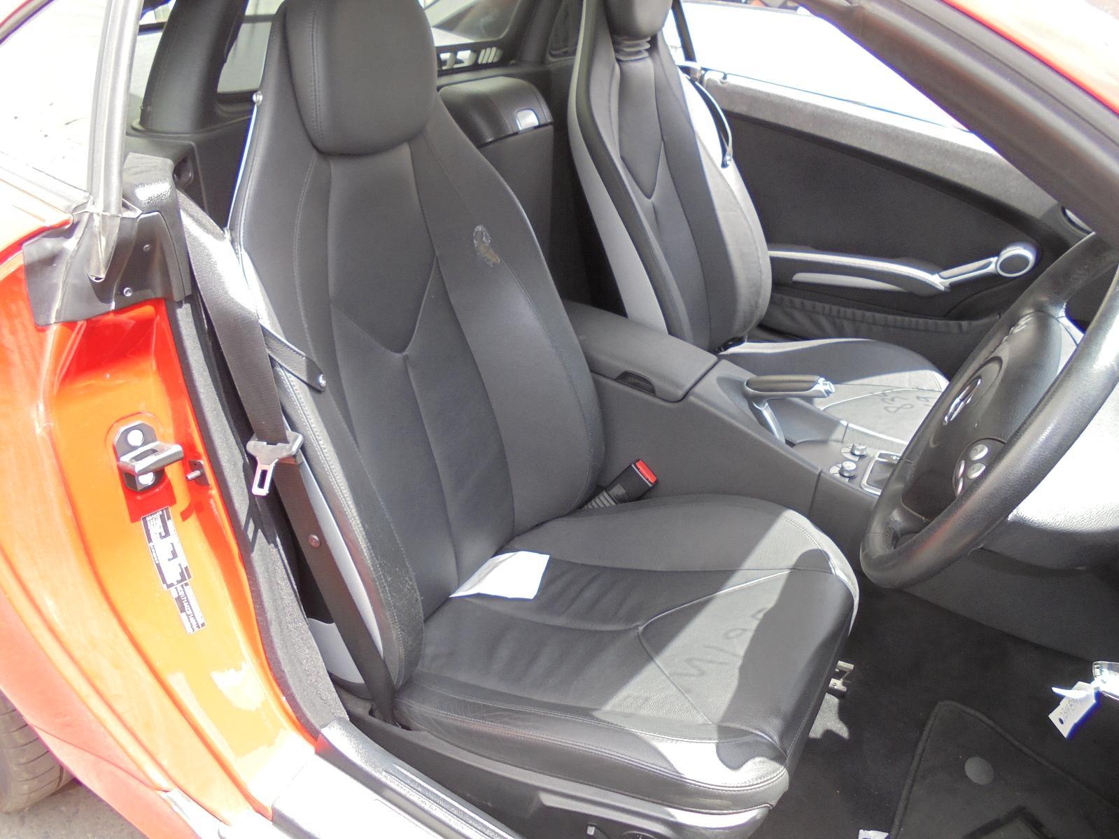 MERCEDES-SLK-W171-PAIR-OF-FRONT-SEATS-09-04-06-11